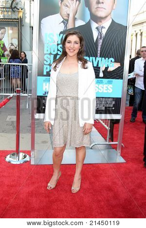 """LOS ANGELES - JUN 30:  Mayim Bialik arriving at the """"Horrible Bosses"""" Premiere at Graumans Chinese Theater on June 30, 2011 in Los Angeles, CA"""