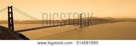 Golden gate bridge as seen from Tiburon