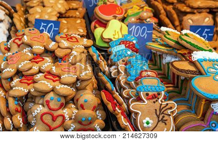 Gingerbread man cookies and other traditional Christmas buiscuits on the stall.