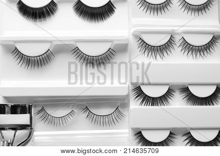 Top view of curler with false eyelashes