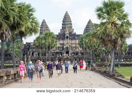 Siem Reap, Cambodia - Dec 10 2016: Visitors At Angkor Wat. A Famous Historical Site(unesco World Her