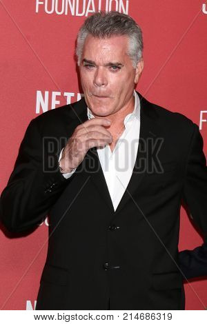 LOS ANGELES - NOV 9:  Ray Liotta at the Patron of the Artists Awards 2017 at Wallis Annenberg Centeron November 9, 2017 in Beverly Hills, CA