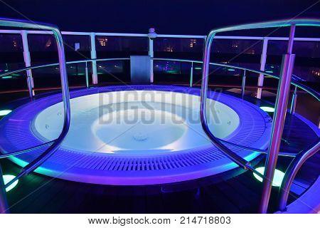 hot tub pool on a cruise ship