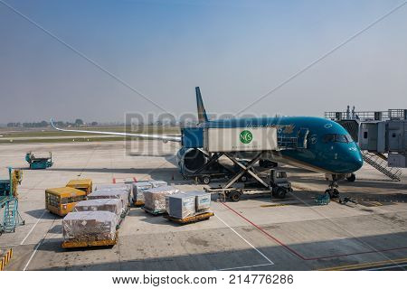 HANOI VIETNAM - NOV22017 : vietnam airline plane loading flight belonging in noi-bai airport