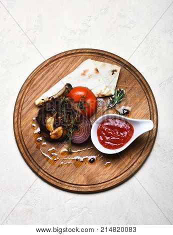 Roasted Steak With Tomato, Flatbread And Onion.