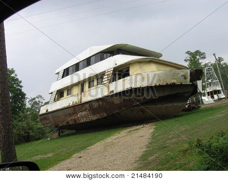 Hurricane Destruction, Ship on Hill
