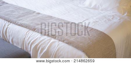 Luxury Hotel Bedroom Bed