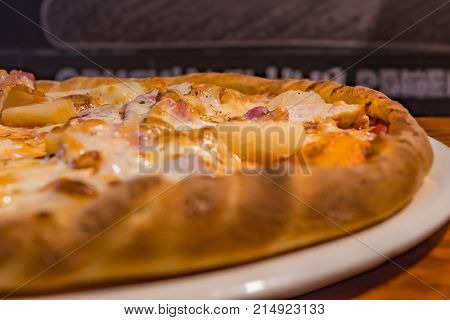 food; pizza; delicious; fast; tasty; hot; cheese; meal; dinner; lunch; italian; baked; sauce; snack; slice; tomato; mozzarella; background; gourmet; spicy; meat; junk; crust; pepperoni; eating; cooking; cuisine; taste; cooked; very; traditional; table; fr