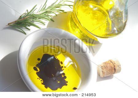 Oil  Vinegar And Rosemary
