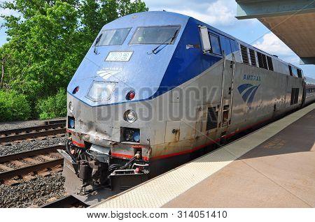 Syracuse, Ny, Usa - May 24, 2012: Amtrak General Electric Ge P42dc Genesis Locomotive In Syracuse, N