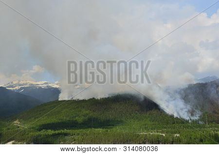 Fire At Siberian Mountains, Fire Moves To Severomuysk