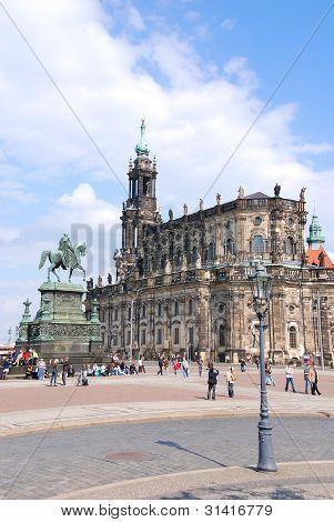 Dresden's catholic hofkirche