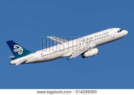 Sydney, Australia - October 9, 2013: Air New Zealand Airbus A320 Twin Engined Commercial Airliner Ta