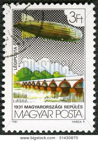 Hungary - Circa 1981: A Stamp Printed By Hungary, Shows Graf Zeppelin Flights, Circa 1981