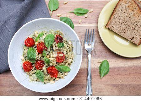 Orzo Pesto Pasta With Caramelised Cherry Tomatoes