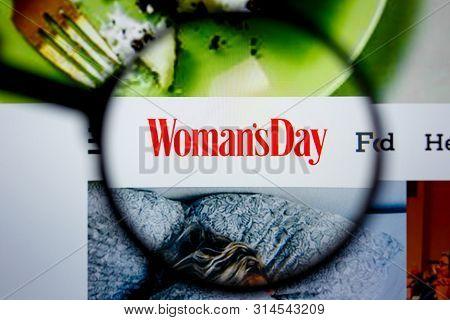 Los Angeles, California, Usa - 29 Jule 2019: Illustrative Editorial Of Womansday.com Website Homepag