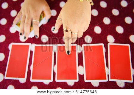 Tarot Cards Reading Divination / Psychic Readings And Clairvoyance Fortune Teller Hands Concept