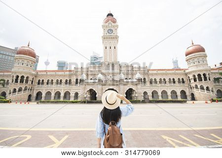 Tourist Is Sightseeing At The Sultan Abdul Samad Building Is Located In Front Of The Merdeka Square