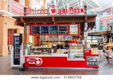 Phuket, Thailand - December 11th 2017:  Chicco Lavazza Coffee Shop In Jung Ceylon. This Is The Main