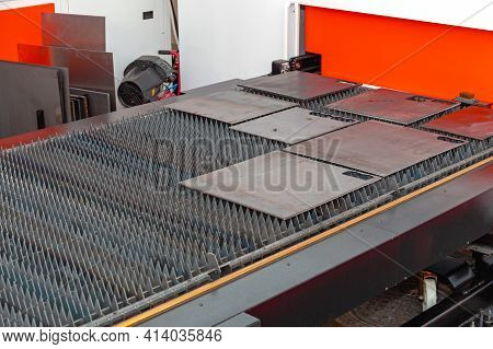 Fiber Laser Cutting Machine Table In Workshop