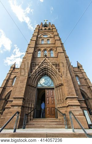 Charleston, South Carolina, Usa - February 20, 2021: Exterior Of The Historic Cathedral Of St John T