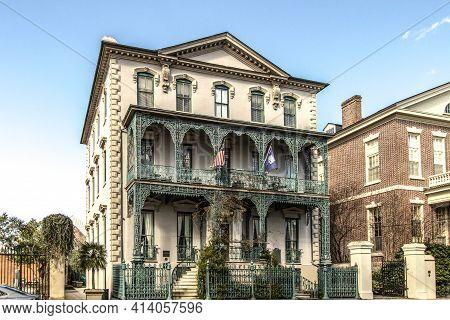 Charleston, South Carolina, Usa - February 20, 2021: Exterior Of Famous Historical 18th Century Home