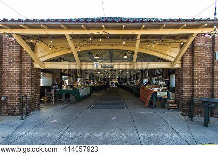 Charleston, South Carolina, Usa - February 23, 2021: Entrance To The Charleston City Market. It Is F