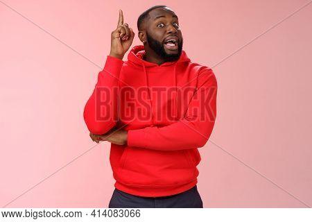 Got Idea. Portrait Excited African-american Bearded Guy Inhale Air Have Speech Reise Index Finger Eu