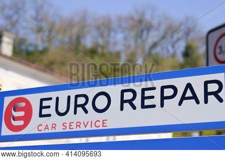 Bordeaux , Aquitaine France - 03 22 2021 : Euro Repar Car Service Sign Text And Brand Logo Station S