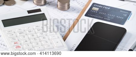 Design Concept Of Annual Summary Analysis Report, Paying With Electronic Device.