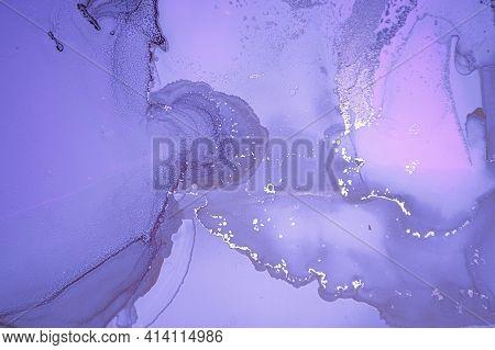 Purple Liquid Paint. Metallic Luxury Alcohol Oil Wallpaper. Marble Abstract Effect. Modern Liquid Pa