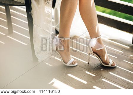 Wedding Shoes With Pointed Toe. Footwear With High Heels. Women Feet In Luxury Spring Sommer Womens