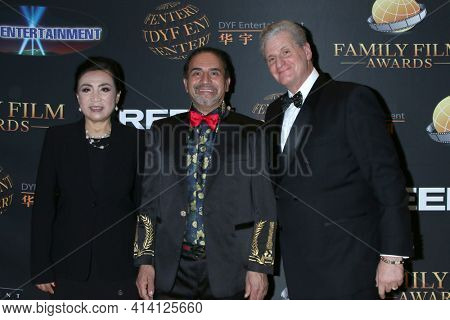 LOS ANGELES - MAR 24:  Jeannie Yi, Olympia A Gellini, Roger Neal at the 14th Family Film Awards at the Universal Hilton Hotel on March 24, 2021 in Universal City, CA