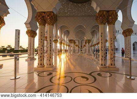 Abu Dhabi, United Arab Emirates - 06 December, 2018: The Sheikh Zayed Grand Mosque In Abu Dhabi, The