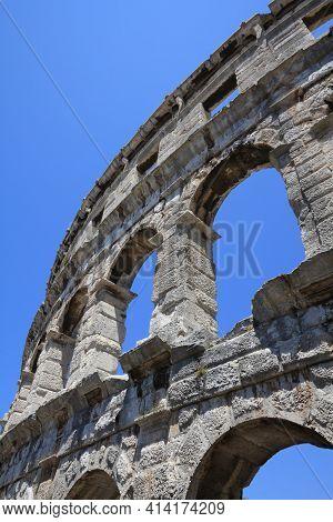 Croatia Landmark. Ancient Roman Architecture In Pula, Croatia - Roman Amphitheatre.