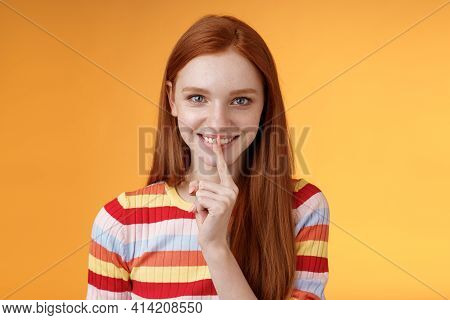 Flirty Devious Creative Young Redhead Smiling Excited Ginger Girl Prepare Mysterious Gift Surprise P