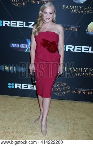 LOS ANGELES - MAR 24:  Wendi McLendon-Covey at the 14th Family Film Awards at the Universal Hilton Hotel on March 24, 2021 in Universal City, CA