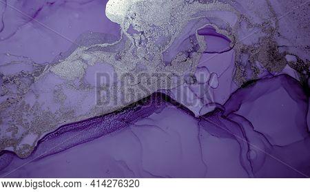 Purple Liquid Paint Waves. Grey Luxury Acrylic Oil Illustration. Abstract Marble Pattern. Modern Liq