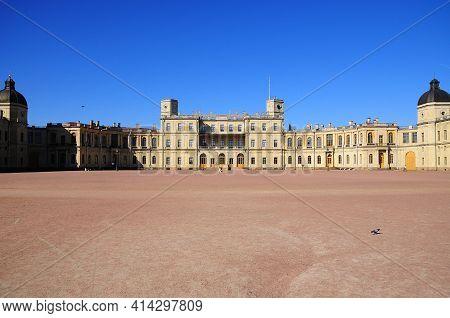Gatchina, Russia - 18.08.2017  Gatchina Palace. Palace Square And The Main Entrance. Palace Square A