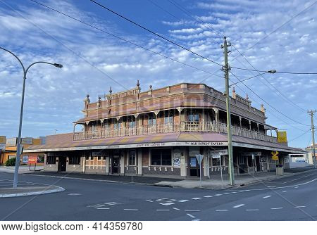Bundaberg, Australia - March 1, 2021: Facade Of The Old Bundy Tavern, Built In 1917 In Central Town