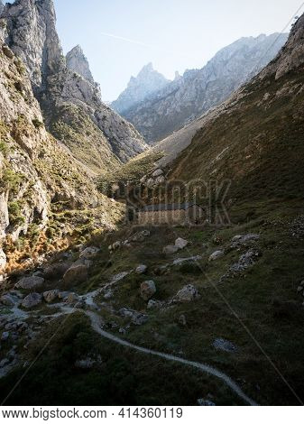 Isolated Idyllic Cabin Mountain Hut Along Gorge Valley Canyon Hiking Trail Path Route Senda Del Care