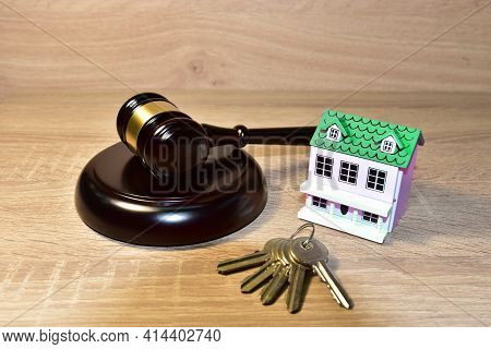Real Estate Purchase And Sale Transaction Litigation. Sale Of Real Property Lawyer. Seller Backs Out