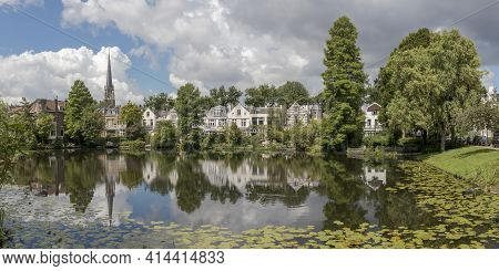 Rotterdam, The Netherlands - July, 2020: Small Lake In A Residential Area In Rotterdam Kralingen, St