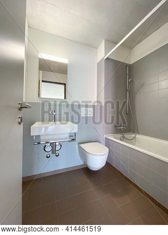 Rental apartment cleaned and ready for a new tenant to move in - Modern, bright apartment in a city center briging monthly passive, rental income to its owner
