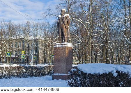 Priozersk, Russia - February 08, 2021: Monument To V.i. Lenin (ulyanov) On A Sunny February Day