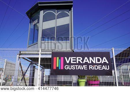 Bordeaux , Aquitaine France - 03 25 2021 : Gustave Rideau Logo And Text Sign Of Veranda Sun Deck Com