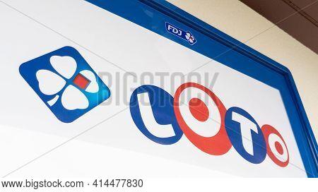 Bordeaux , Aquitaine France - 03 25 2021 : Fdj La Francaise Des Jeux And Loto Advertising Sign On Wa