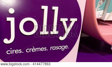 Bordeaux , Aquitaine France - 03 25 2021 : Jolly Logo Sign And Brand Text Of Beauty Waxes Creams Sha