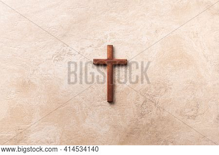 Wooden Cross On Marble Background. Reminder Of Jesus Sacrifice And Christ Resurrection. Easter Passo