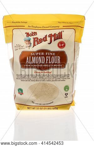 Winneconne, Wi - 27 March 2021: A Package Of Bobs Red Mill Super Fine Almond Flour On An Isolated Ba